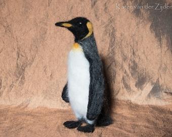 Needle Felted King Penguin - Penguin Collection, penguin gift, realistic bird, felt animals