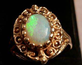 Beautiful Ornate Fiery Opal 10kt Gold Ring