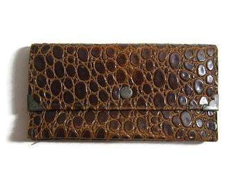 Vintage Wallet / Faux leather Pressed Alligator Texture