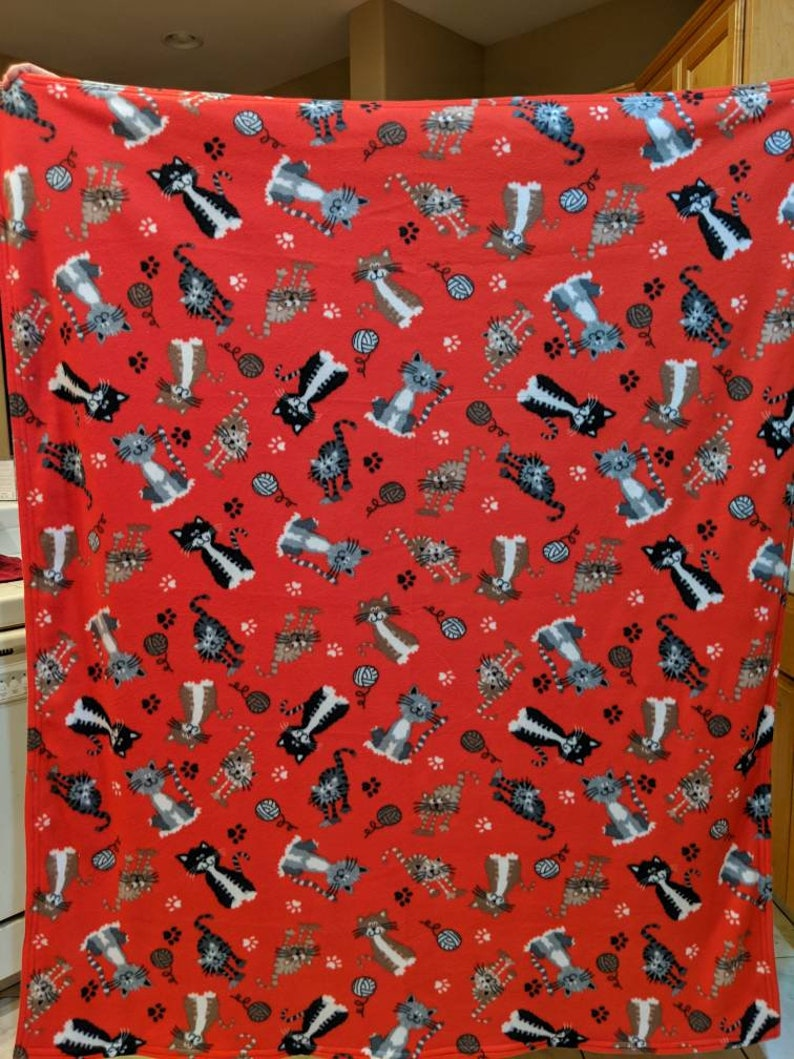 Red cat reversible fleece blanketthrow