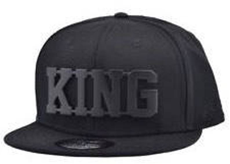 ac3d8466749 King Snapback caps one size