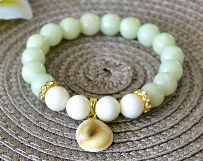 Jade bracelet, shell bracelet, 10mm grade AA beads, Shell charm, gift for girlfriend , chakra bracelet,  wrist mala bead,  dream stone