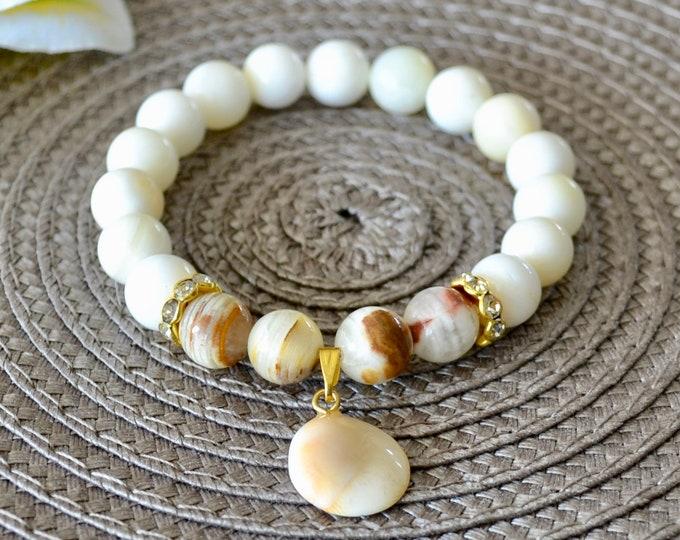 Shell Bracelet, agate bracelet, shell charm, wrist mala beads, chakra bracelet, healing stone, reiki healing, stretch bracelet, gift