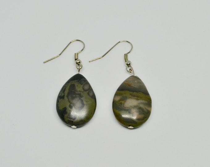 Labradorite earrings, Gray earrings, Dangling earrings, Teardrop earrings, Raw labradorite, gift for her, Silver color,  Gift for mom, boho