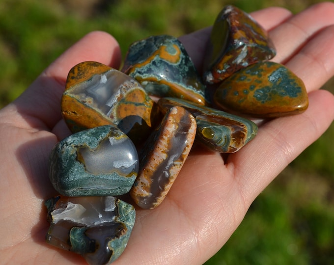 Orpheus agate from Bulgaria, tumbled agate stone, rare agate stone, healing stones and crystal, rare minerals, rare crystals, tumbled agate