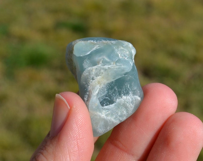 Raw aquamarine crystal - raw aquamarine stone - aquamarine raw - healing crystals and stones - raw aquamarine - throat chakra crystals