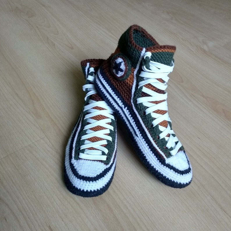 Knitted Converse slippers Crochet converse slippers 43 Knitted house slippers Socks slippers for men Crochet house shoe men Socks with sole