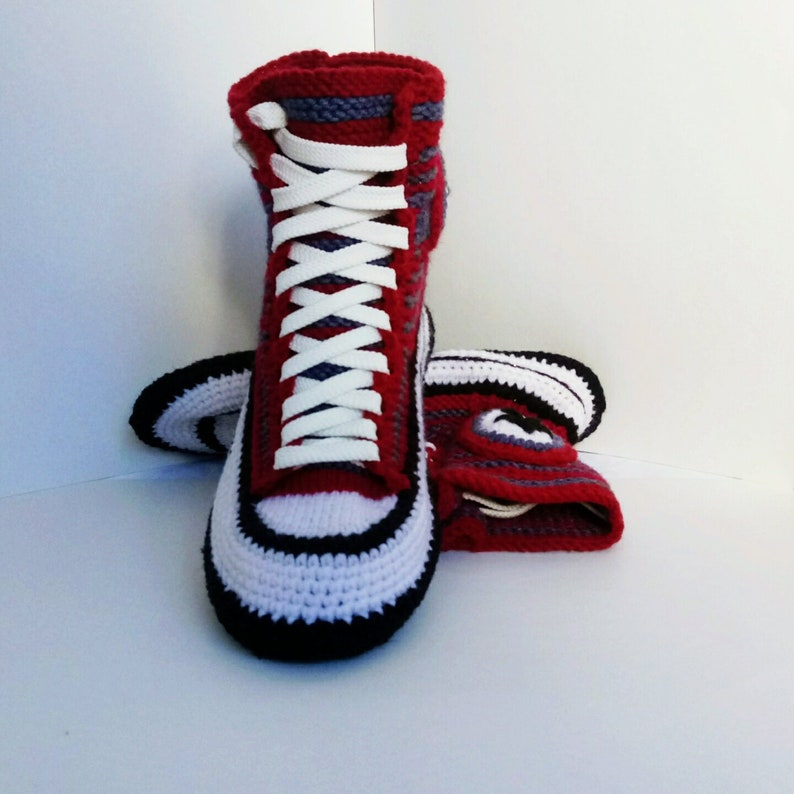 0a22dfe3642ae4 Knitted Converse  38 Women s knitted slippers Crochet