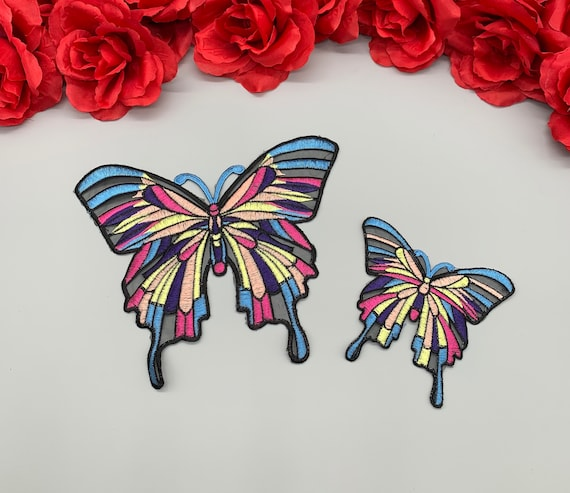 BUTTERFLY Fuchsia /& Silver Sequins Iron On Embroidered Patch