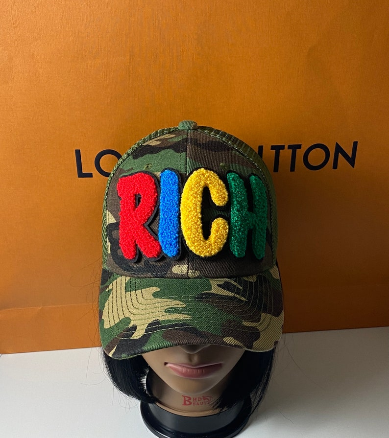 Custom Chenille Rich Patched Camouflage Trucker Hat Mesh Back Custom Chenille Rich Patched Hat