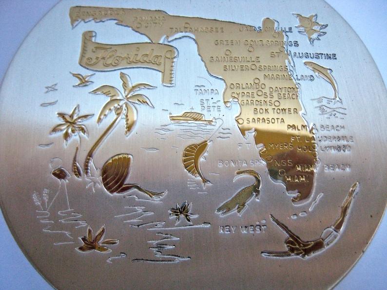 Vintage 1960s Florida Souvenir Ladies Compact Makeup Powder Puff Round Engraved Key West Tropical Trinket Gold Tone Vacation Palm Trees