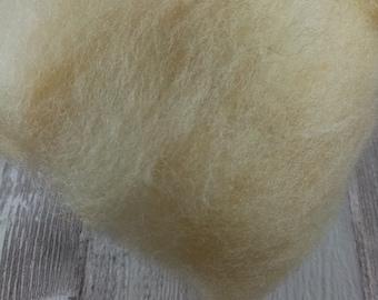 50g Batt 100% Schafwolle vom Suffokschaf zum spinnen und filzen