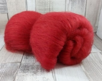 50g Batt/Comb 100% sheep wool from mountain sheep to spinning and felting red