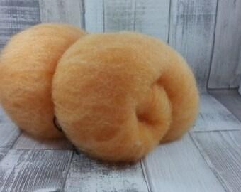 50g Batt 100% Schafwolle vom Suffokschaf zum spinnen und filzen orange
