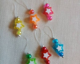 6 stitch markers in set to hang star