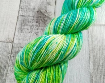 Hand dyed sock yarn in 100g strand merino bamboo for crochet and knitting color 025