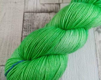 Hand dyed sock yarn in 100g strand merino bamboo for crochet and knitting color 072 green