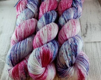 Hand dyed sock yarn with merino and bamboo color 015