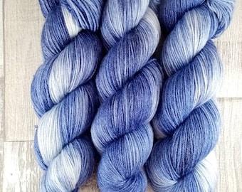 World of Wool Multicolor Merino-Kammzug Bloom 100g//100/% Wolle,Farbe:Lila,Gr/ün