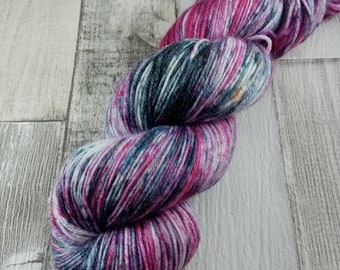 Hand dyed sock wool in 100g strand with merino wool and bamboo color 011