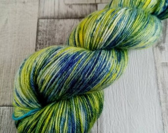Hand dyed sock yarn in 100g strand merino bamboo for crochet and knitting color 001