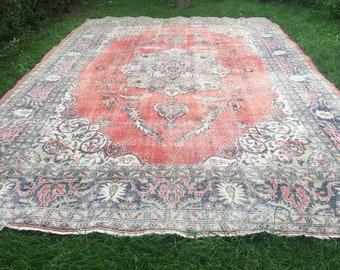 Antique Carpets Store