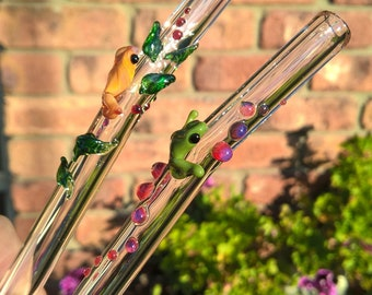 Glass Drink Straws with frogs, gift idea, straw cleaner and gift box included. Handmade in Australia. 9.5mm diameter, 20mm long.