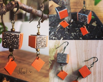Cube earrings in leather and wood