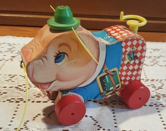 Vintage Fisher Price Peter Pig - Pull Toy - Complete - Great Condition!