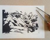 Nuage sur le Mont Ventoux -- Vue depuis Ferrassières (Drôme, 26) -- Linogravure monochrome 100% fait main