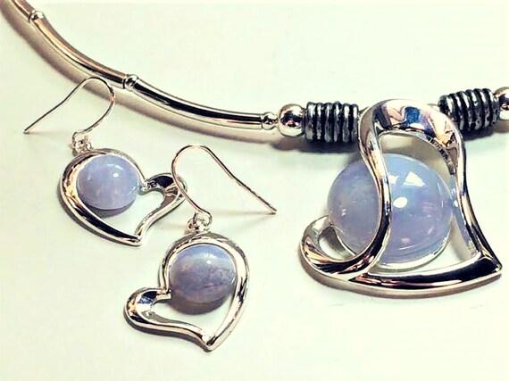 amethyst jewellery set,amethyst pendant,amethyst earrings,purple stone jewellery,boho jewellery,wicked fish design,dangle and drop earrings