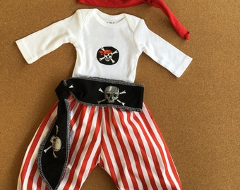 4 PIECES. Size Newborn and 0-3 Months. Baby PIRATE. Pirate Baby Boy. Red Pirate . My first Halloween. Pirate Pants. Pirate Costume for Boys.