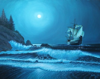 Under the rustle of the waves and the silence of the moon