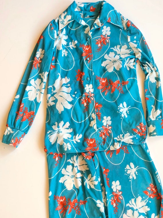 Vintage 1970s blue floral ladies three piece pant… - image 2
