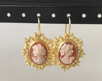 Cameo earring with amazing detail