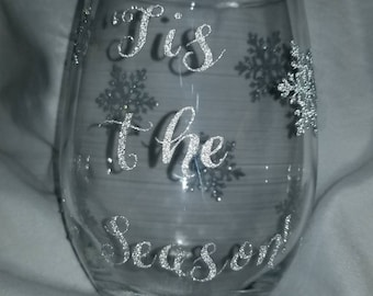 Tis the Season wine glass