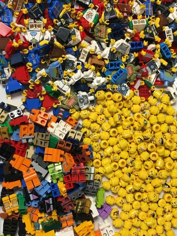 LEGO LOT OF 20 MINIFIGURE HEAD PIECES RANDOM GRAB BAG PEOPLE CASTLE TOWN FACES