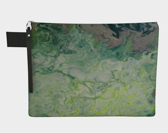 Green pouch, small bag, green bag, purse, card holder, wallet, small pouch, printed bag, montreal fact, cell bags, cell protector, GPS bags