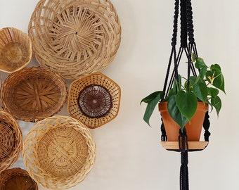 ELAYNE. Jardinière suspendue noir, macramé, macramé suspendu, suspension plante,suspension boho, fait au québec,