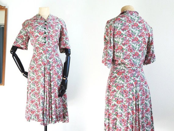 Floral linen 1930s dress | Green Buttons | Romanti