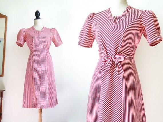 Striped 1930s Dress | Puffed sleeves | Red and whi