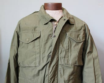 Vintage Military Army Field Coat | Size Medium Regular | Sateen OG107 | Mildly Distressed | Vietnam War M-65 Army Jacket