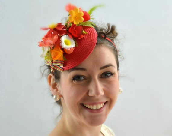 GARDEN PARTY - Red & Coral flower fascinator.  Kentucky Derby Hat, Afternoon tea or Wedding Guest Fascinator with a vintage look.