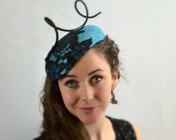 Ready to ship Turquoise and Black  Kentucky Derby, Preak or Del Mar Race Day womens Hat.  Kate Middleton style Fascinator.  Ladies Luncheon