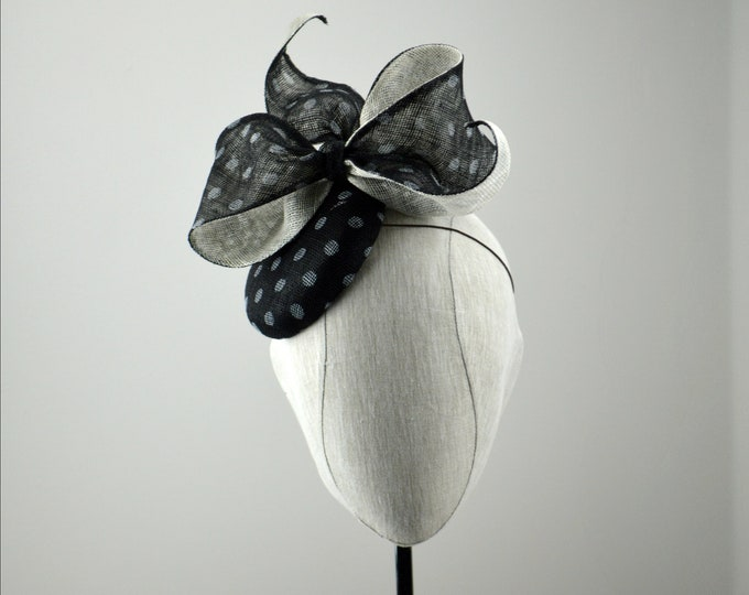 VIENNA Black and White Kentucky Derby Fascinator.  Black/White famous hat luncheon or Afternoon tea hat, Wedding or Bridal Shower Fascinator