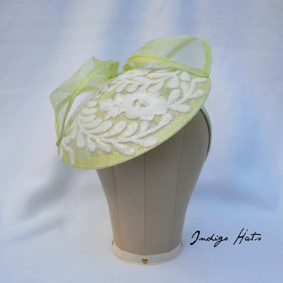 Key Lime Kentucky Derby Saucer Hat, LIght Green & White embroidered British Royal Ascot Style hatinator, large fascinator on a wide headband
