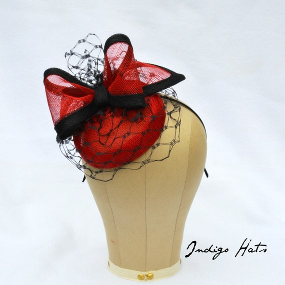 NEWPORT - Red Fascinator with veiling