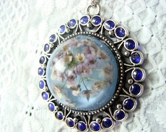 Tender flowers resin jewelry