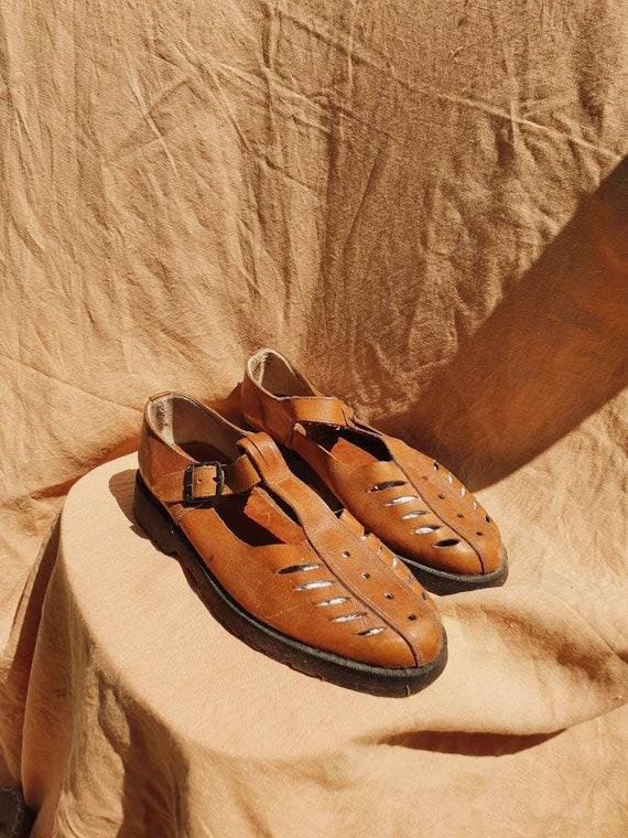 vintage unisex tan sandals
