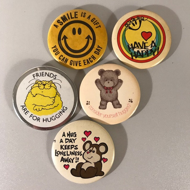 5 Hugs Pinback Buttons, Vintage Smile Buttons, Pins from the 80s, Jean  Jacket Decor, 1980s Collectibles, Cool Old Buttons, Free Shipping